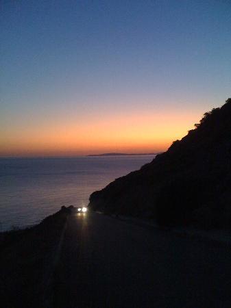 OLA Hotel Maioris: Rocky beach at dusk