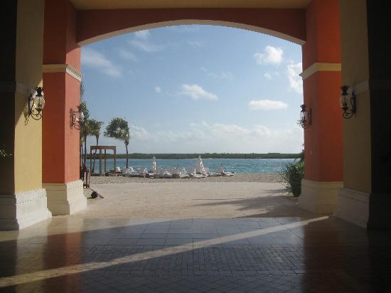 Blue Haven Resort: Lobby
