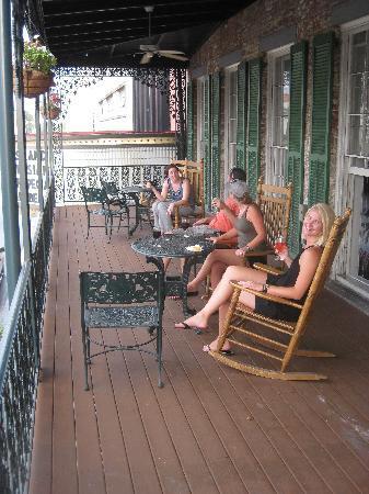 The Marshall House: Enjoying the balcony