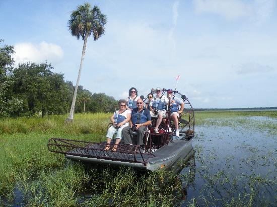Captain Fred's Airboat Nature Tours: August 09