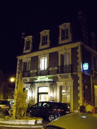 Best Western Hotel D'Angleterre: Esterno notturno 1