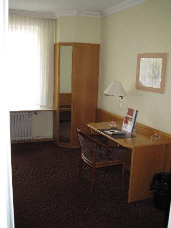 โรงแรมลอคคูเมอร์โฮฟ: Loccumer Hof single room 2