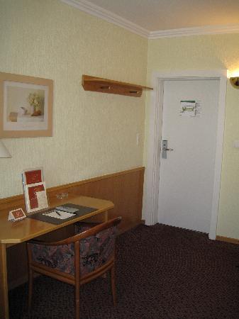 โรงแรมลอคคูเมอร์โฮฟ: Loccumer Hof single room 4