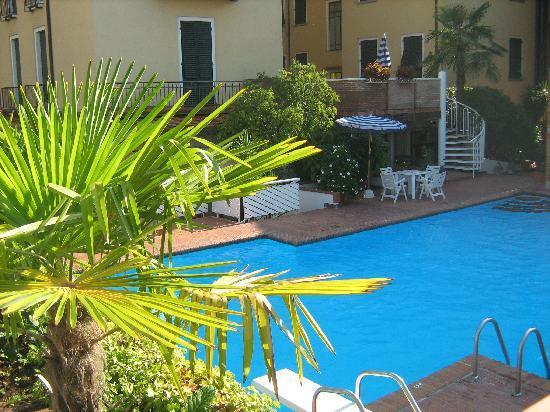 Hotel Francia e Quirinale: The pool