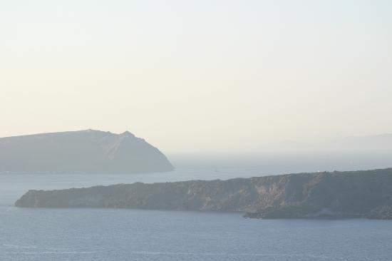 Apanemo: caldera view from hotel