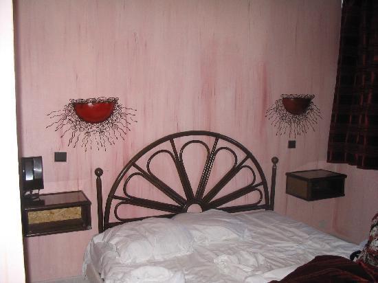 Le Tropic Hotel: lit