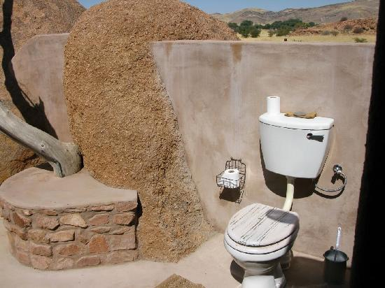 Camp Kipwe: Open air bathroom!!