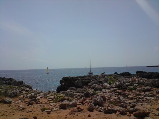 Smartline Cala'n Bosch: walk along the coast