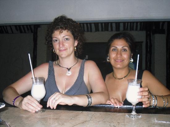 Ocean Spa Hotel: Enjoying Ocean Spa's great Pina Coladas