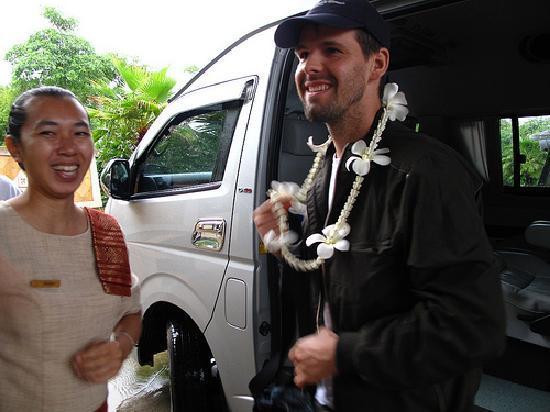 ลยานะ รีสอร์ท แอนด์ สปา: They gave us leis when we arrived...too cute