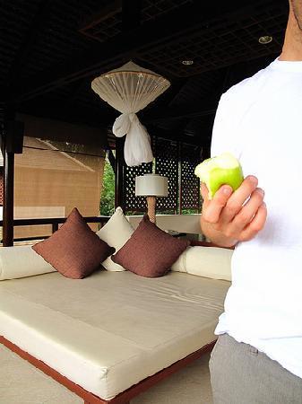 """ลยานะ รีสอร์ท แอนด์ สปา: The second """"bed"""" upstairs...like an open air living room"""