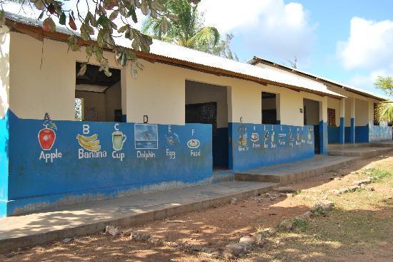 Sunset Beach Resort Zanzibar: Una scuola