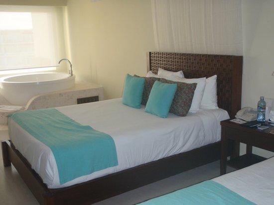 Azul Beach Resort & TUI Sensatori Resort Riviera Cancun: Azul Sensatori Room Aug 09