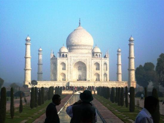 อักกรา, อินเดีย: second glance