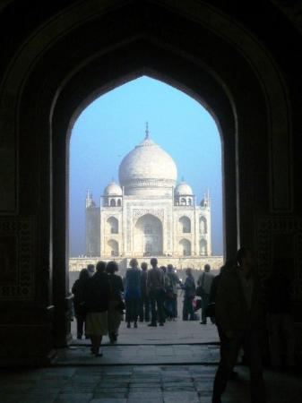 อักกรา, อินเดีย: first glance