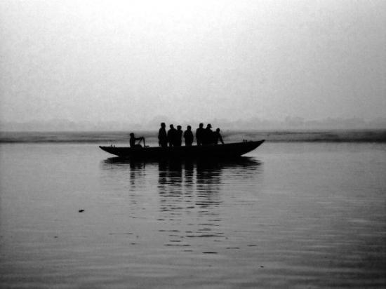 พาราณสี, อินเดีย: the boatman's call