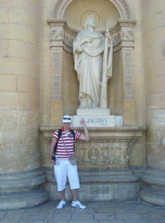 Mosta, มอลตา: S mým svatým jmenovcem v Mostě