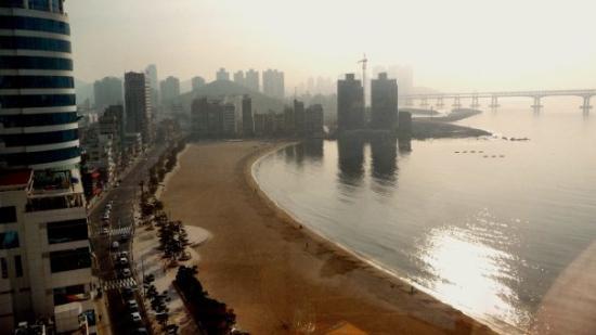 ปูซาน, เกาหลีใต้: Der Gwanggali Beach, nahe der Innenstadt