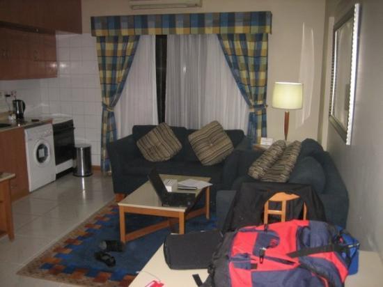 โรงแรมโกลเด้นแซนส์อพาร์ทเม้นท์: My Dubai's room