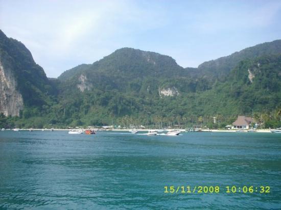 เกาะพีพีดอน, ไทย: Phi Phi  archipiélago que se encuentra en el mar de Andaman, al sur de Tailandia.