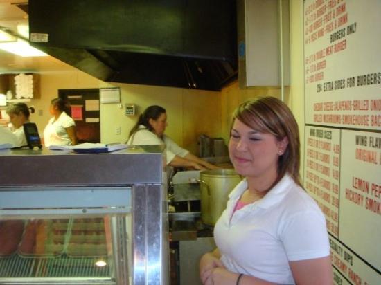 แมกโนเลีย, อาร์คันซอ: Friendly lady to take your order