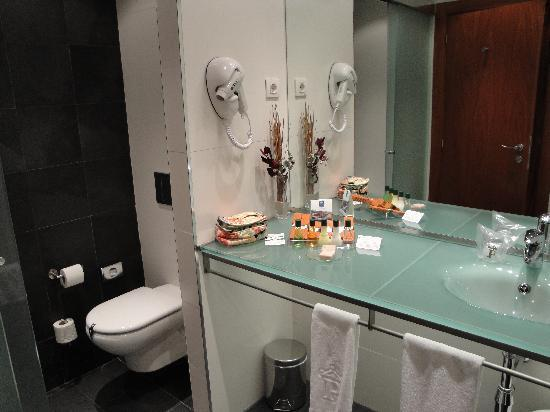 Parador de Turismo de La Granja: bathroom