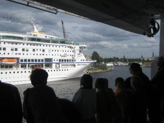 สตอกโฮล์ม, สวีเดน: Įdomus laivo pavadinimas!:)