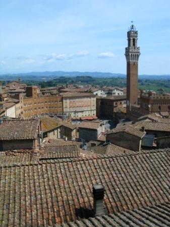 เซียนา, อิตาลี: From bell tower in Siena.
