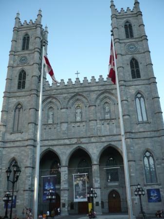 น็อทร์-ดามบาซิลิกา: Basilica Notre-Dame de Montrèal