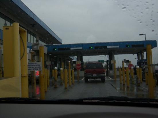 แวนคูเวอร์, แคนาดา: this is at the usa border.