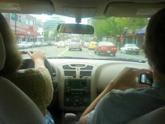 แวนคูเวอร์, แคนาดา: mom's driving and drew taking pictures.