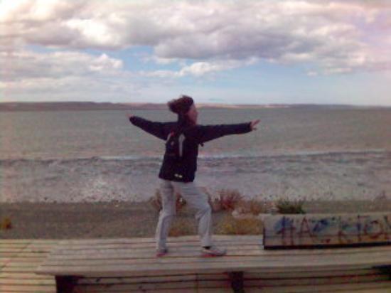 Rio Gallegos, อาร์เจนตินา: Surfeando con el viento, es genial!