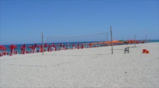 Badolato, อิตาลี: Isca beach and volleyball