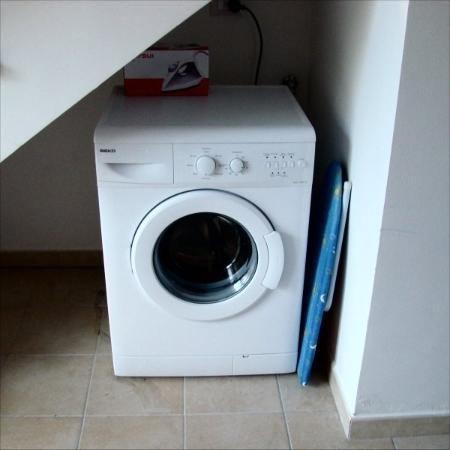 Badolato, อิตาลี: Washing machine and ironing  Jan 2008