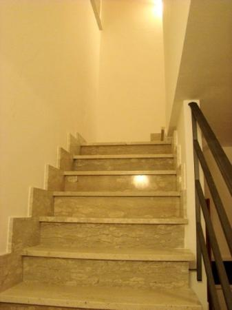 Badolato, อิตาลี: Marble staircase  Jan 2008