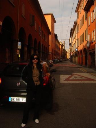 โบโลญญา, อิตาลี: Bologna downtown, need to come back