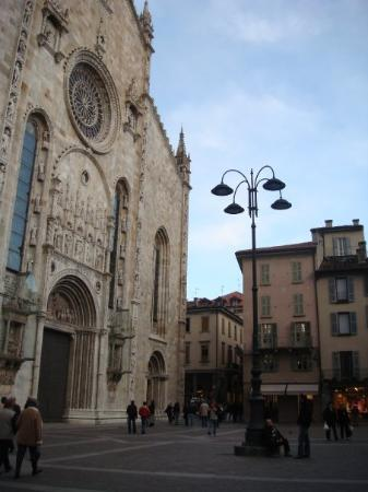 โคโม, อิตาลี: Duomo