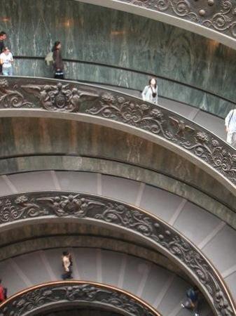 นครวาติกัน, อิตาลี: Love this stairways