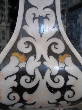 เอโวรา, โปรตุเกส: Look at the marble...amazing.... remind me of Milan...