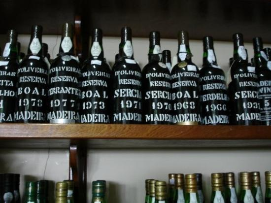ฟุงชาล, โปรตุเกส: For madeira wine.....the advice is not to buy in local shop...buy in the duty free shop at the a