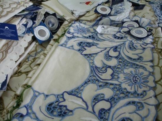 ฟุงชาล, โปรตุเกส: embroideryhandicraft on sale in shops.....I think is quite expensive.