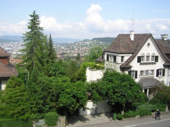 ซูริค, สวิตเซอร์แลนด์: View over Zuerich from my brother's living room
