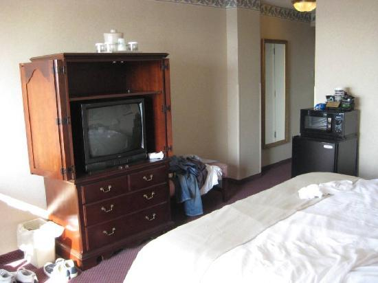 Holiday Inn Portland By The Bay: king room bay view