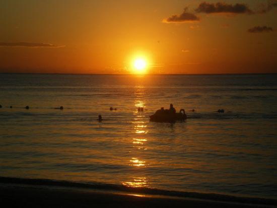 Roatan (เกาะโรอาทาน), ฮอนดูรัส: another tantalizingly beautiful sunset