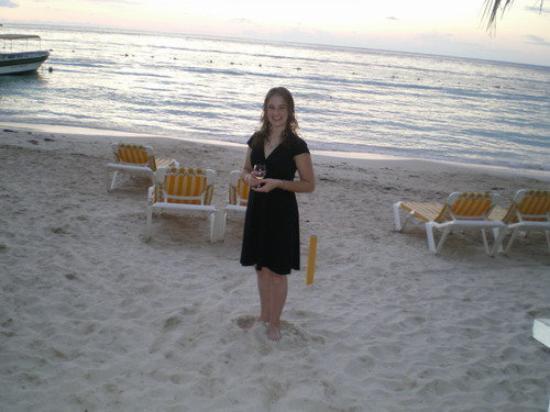 Roatan (เกาะโรอาทาน), ฮอนดูรัส: ...me down on the beach
