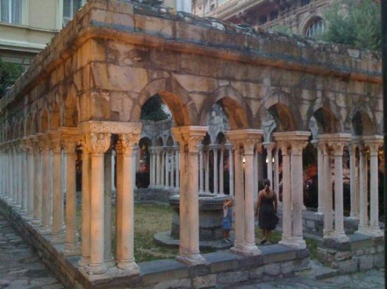 เจนัว, อิตาลี: Ruin at the Porta Soprana