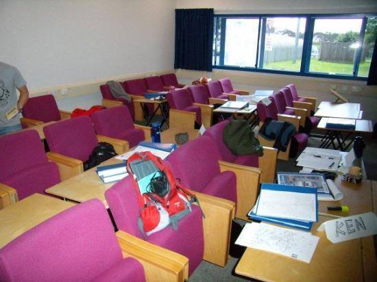 Bournemouth (เมืองโบร์นมุธ), UK: Our classroom in NATS. I sat at the back row.