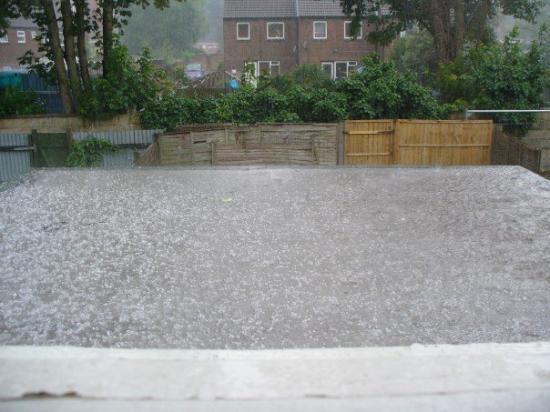 Bournemouth (เมืองโบร์นมุธ), UK: 20070703 Hailing in Bournemouth, ~6:30pm