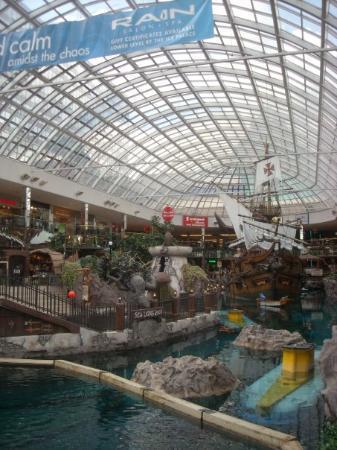 เอดมันตัน, แคนาดา: West Edmonton Mall