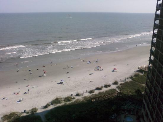 Beach Cove Resort: View of the beach from our room